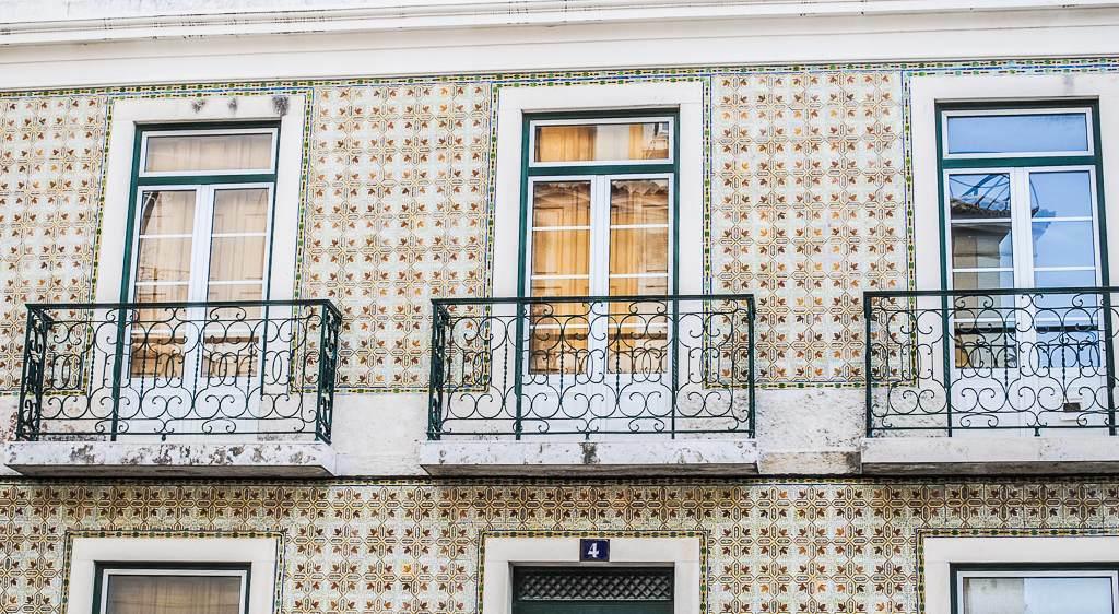Städtetrip nach Lissabon – Hügel, Fluss und Mee(h)r -Lissabon Wandkacheln (c) Verena Berbüsse für www.reise-berichten.de
